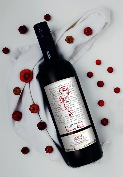 graphiste étiquettes vin rouge la rochelle bordeau cahors saumur